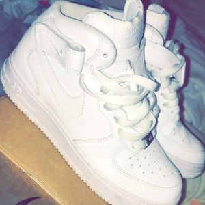 Nike Air Force 1 mids!